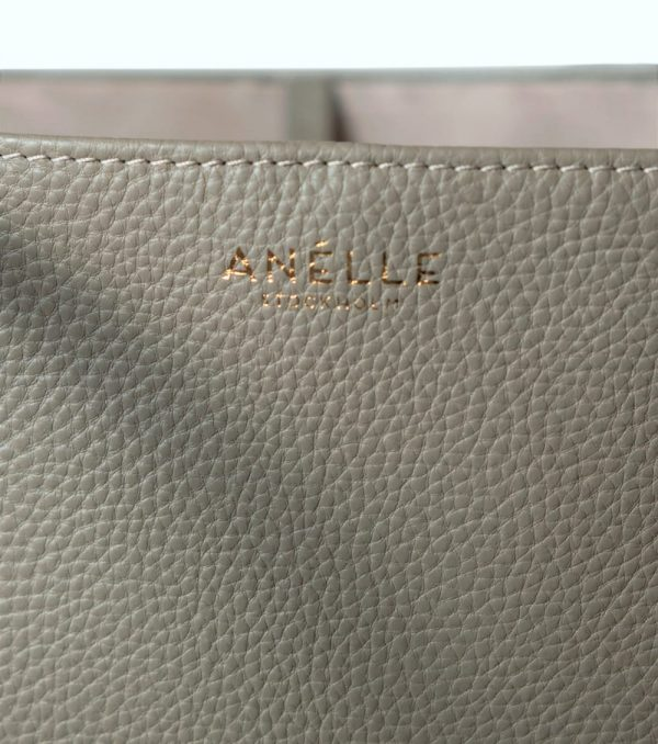 tote_taupe_detail_3-new